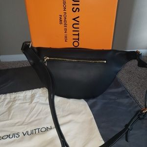 LV Bumbag Authentic Like